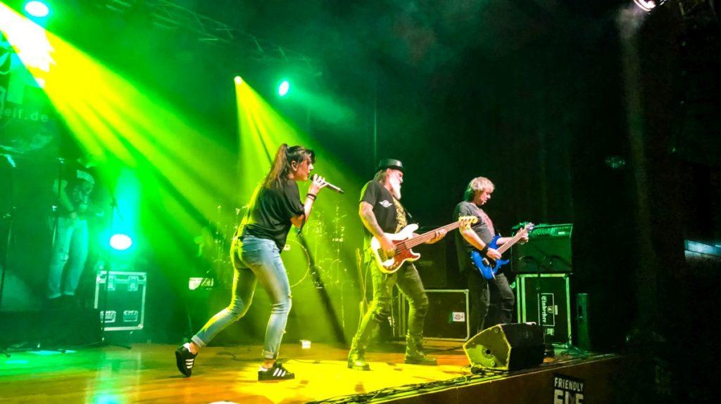 Friendly Elf Band Stuttgart Heilbronn Ludwigsburg Beinstein rockt den Herbst